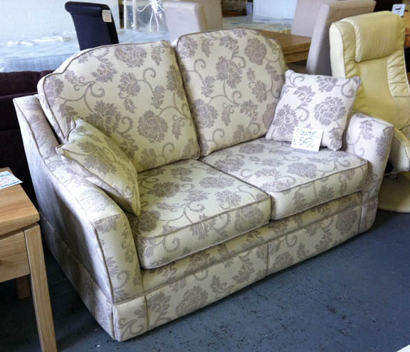 Cheap Sofas On Sale: Famous Furniture Clearance