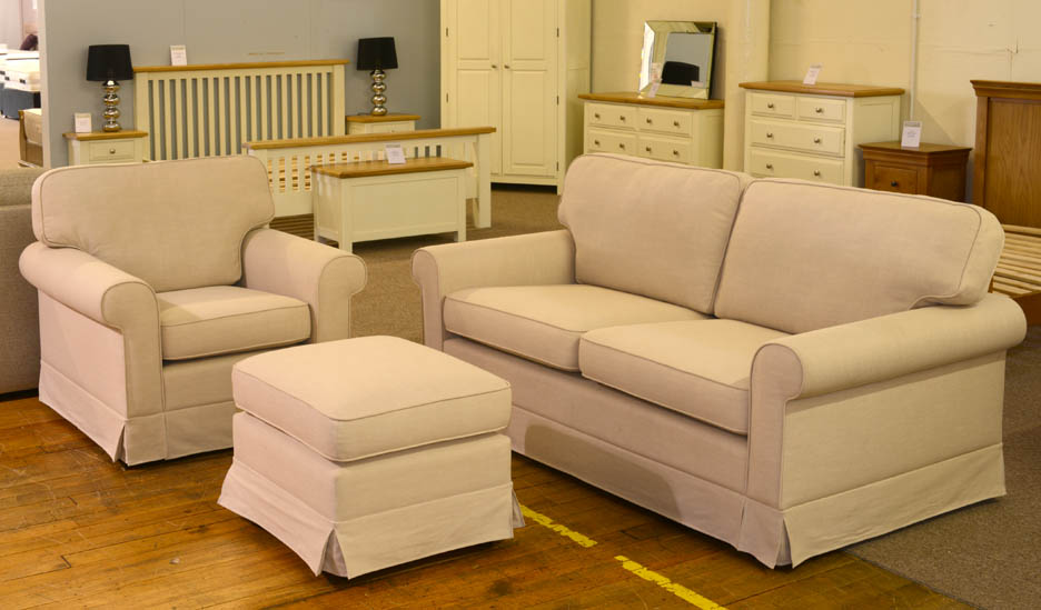 New designer sofa and armchair linen look beige fabric rrp for Cream sofas for sale